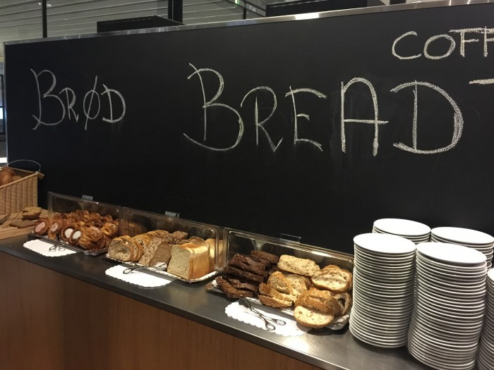 aviator lounge cph bread 700x525 - Aviator Airport Lounge - Copenhagen CPH review