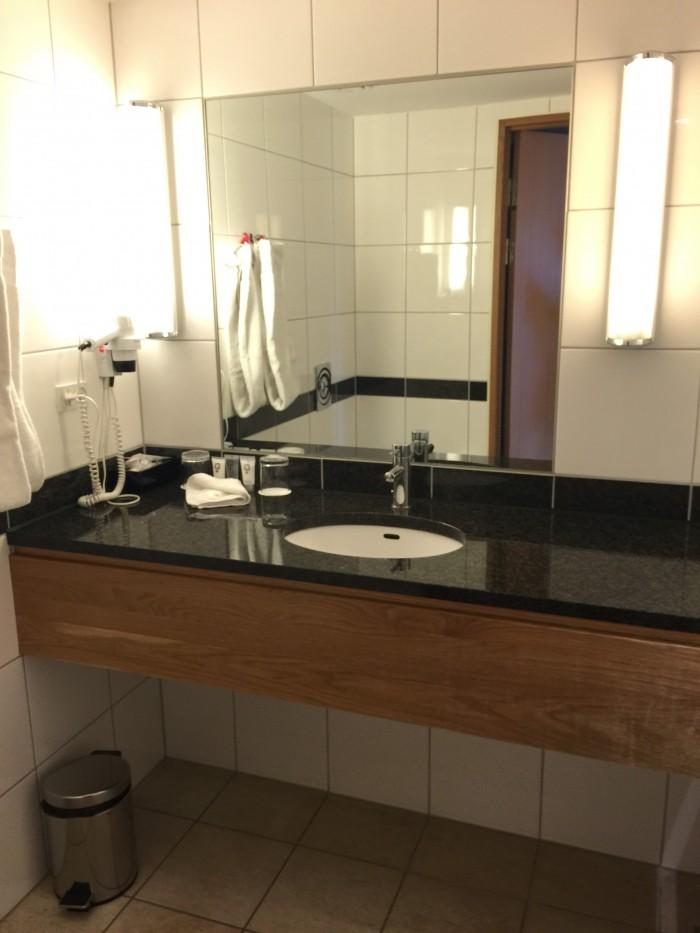 hotel skt petri bathroom 700x933 - Hotel Skt. Petri Copenhagen, Denmark review