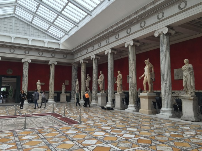 ny carlsberg glyptotek statues 700x525 - Copenhagen, Denmark - Museums on a rainy day