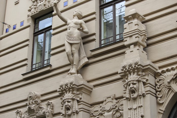 alberta iela art nouveau 700x467 - Exploring the Old Town in Riga, Latvia