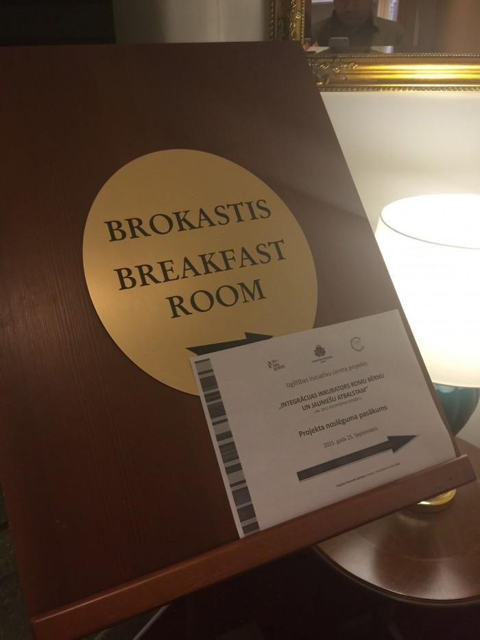 radi un draugi breakfast room 700x933 - Radi Un Draugi Hotel Riga, Latvia review