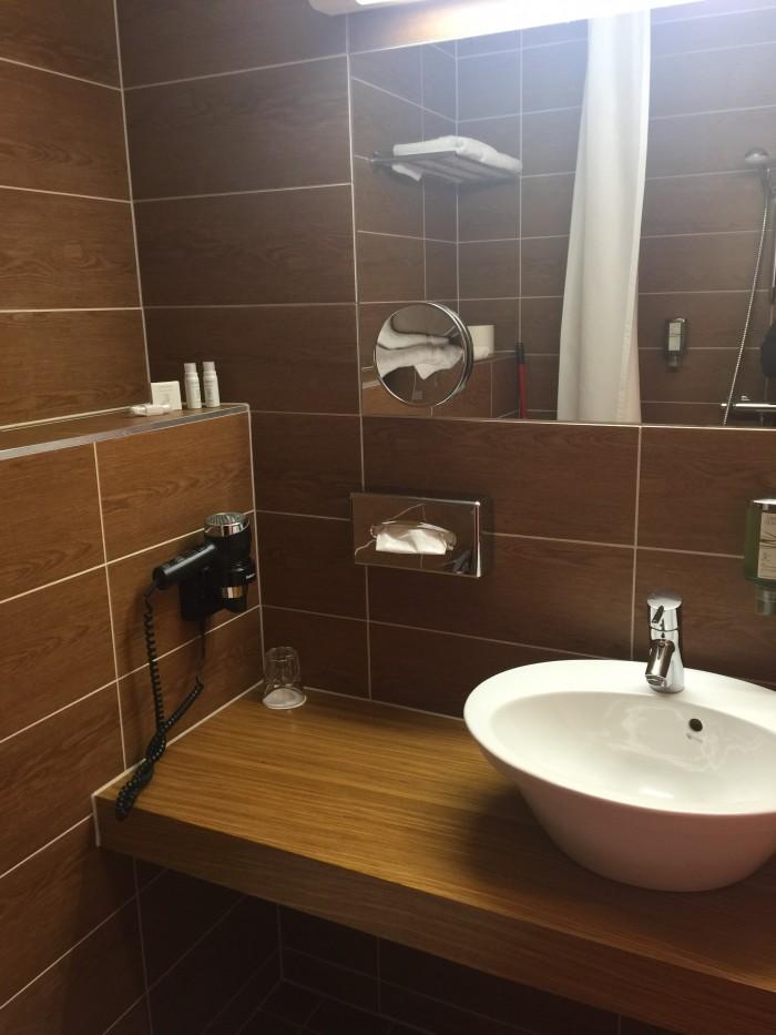 hotel bern bathroom 700x933 - Hotel Bern Tallinn, Estonia review