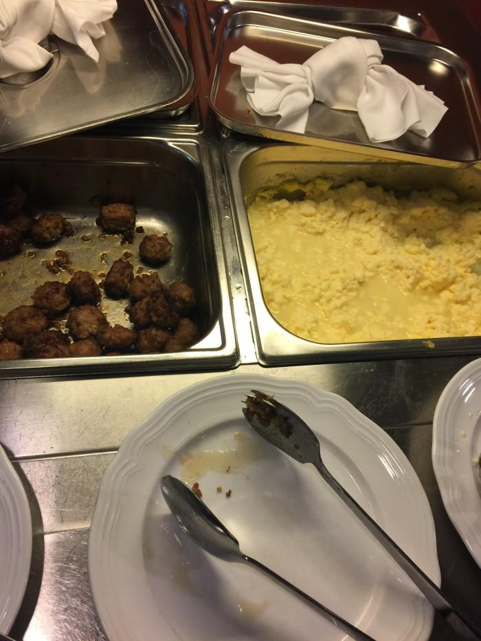 hotel bern eggs 700x933 - Hotel Bern Tallinn, Estonia review
