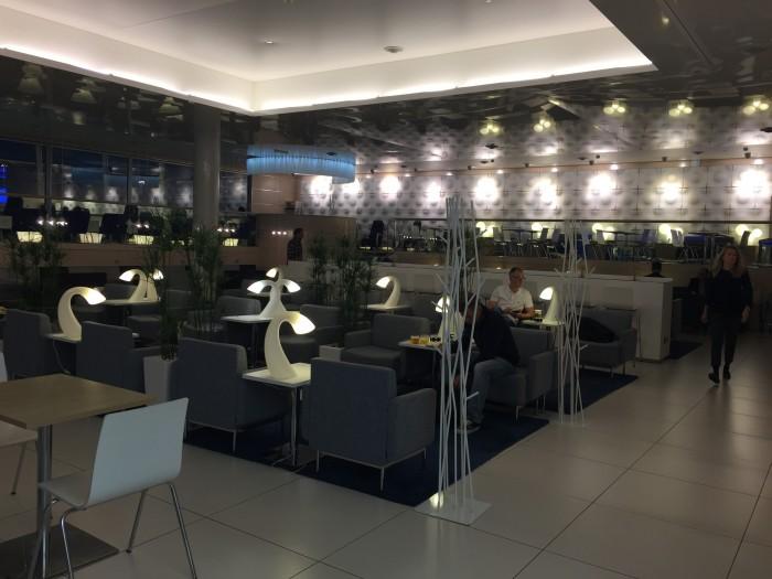 IMG 6395 700x525 - Finnair Lounge Helsinki HEL non-Schengen review