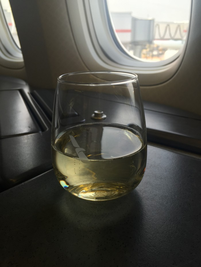American-Airlines-First-Class-champagne