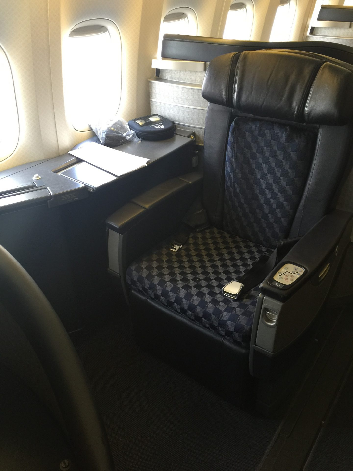 American Airlines First Class Boeing 777 200 London