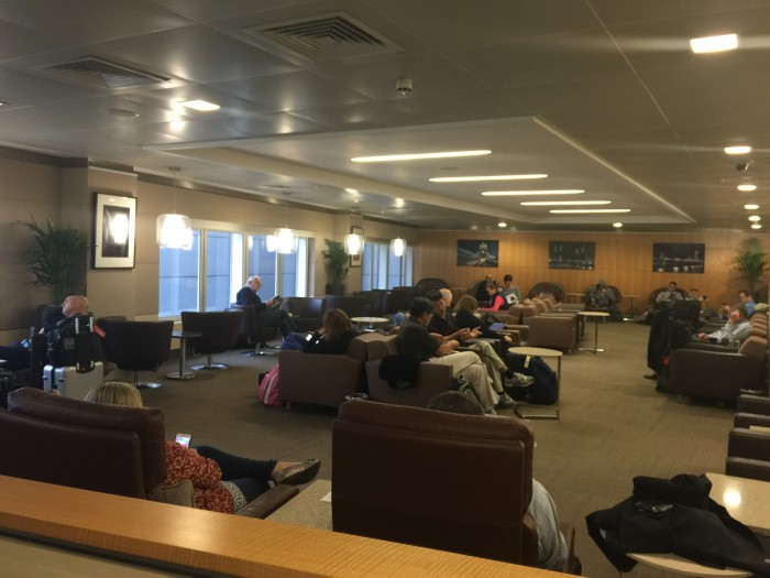 american flagship lounge lhr 700x525 - American Airlines Flagship Lounge London Heathrow LHR review