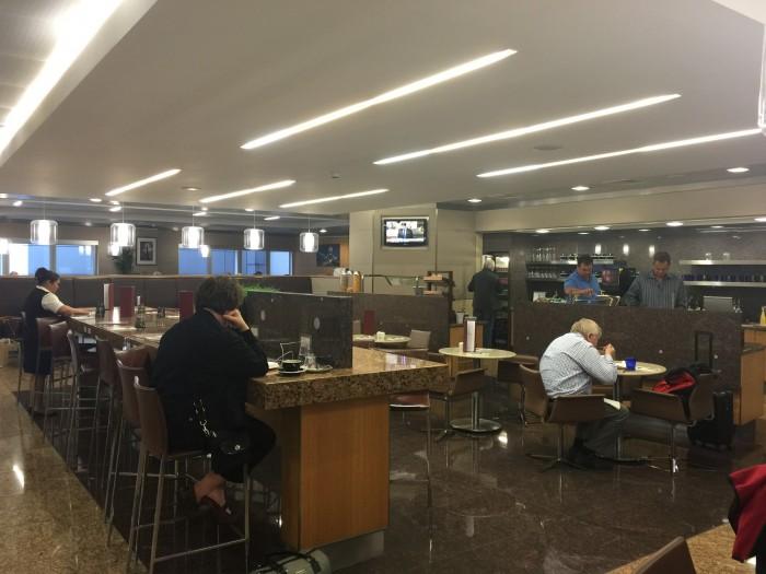 american flagship lounge london heathrow 700x525 - American Airlines Flagship Lounge London Heathrow LHR review