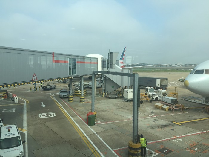 american lounge london heathrow 700x525 - American Airlines Flagship Lounge London Heathrow LHR review