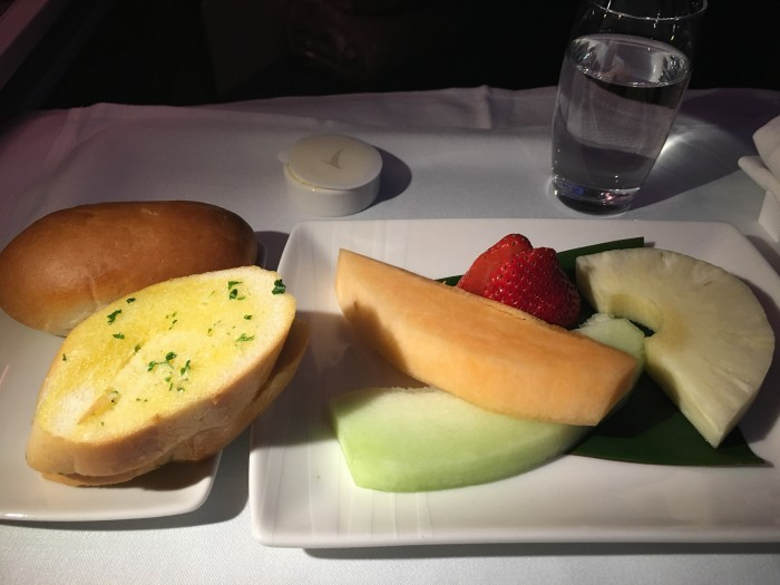 cathay-pacific-business-class-fruit-garlic-bread