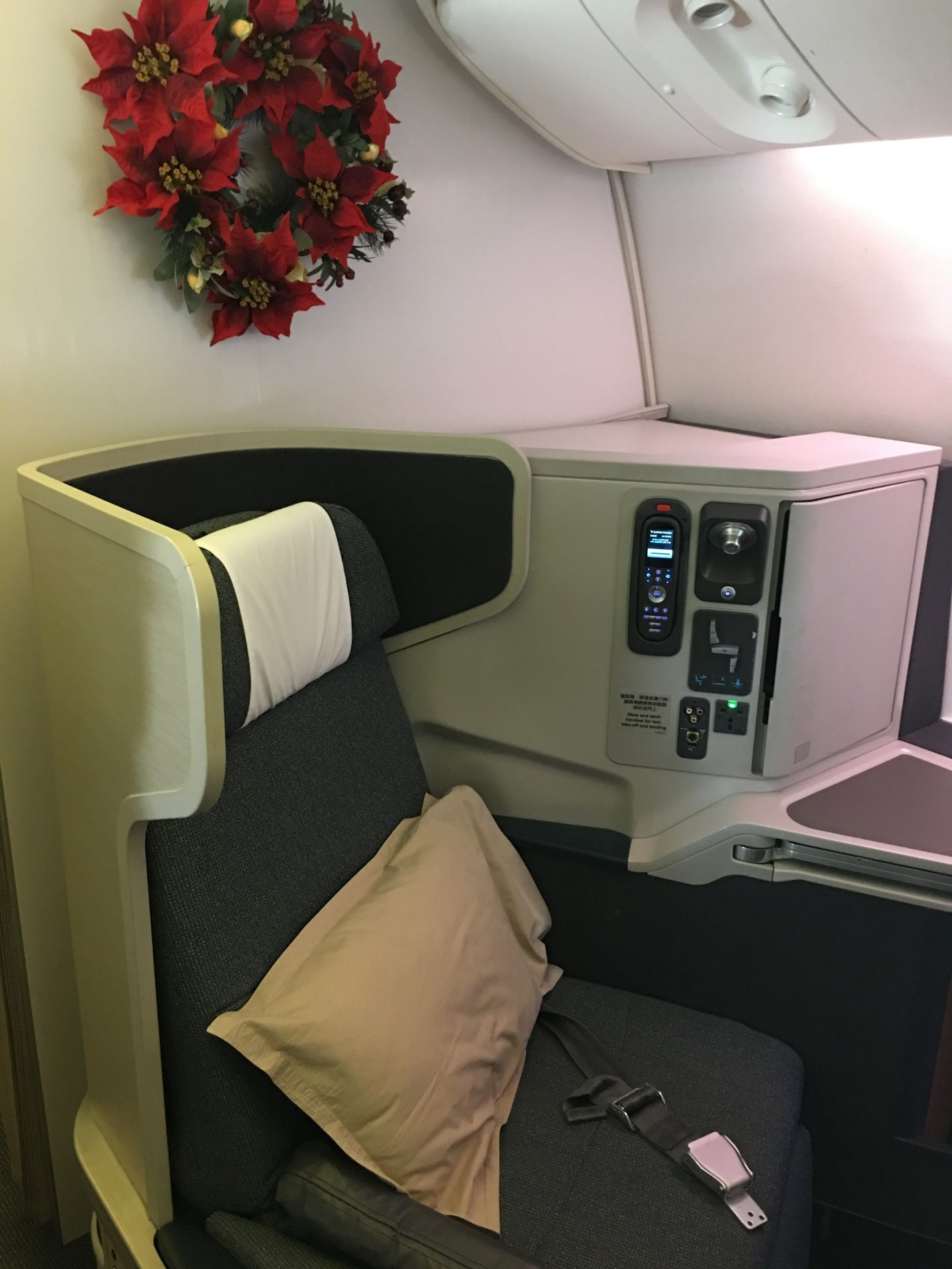 Cathay Pacific Business Class Boeing 777-300ER Los Angeles ...