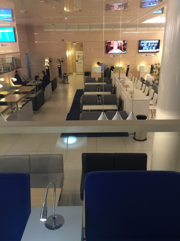 finnair business lounge helsinki 700x933 - Finnair Lounge Helsinki HEL non-Schengen review