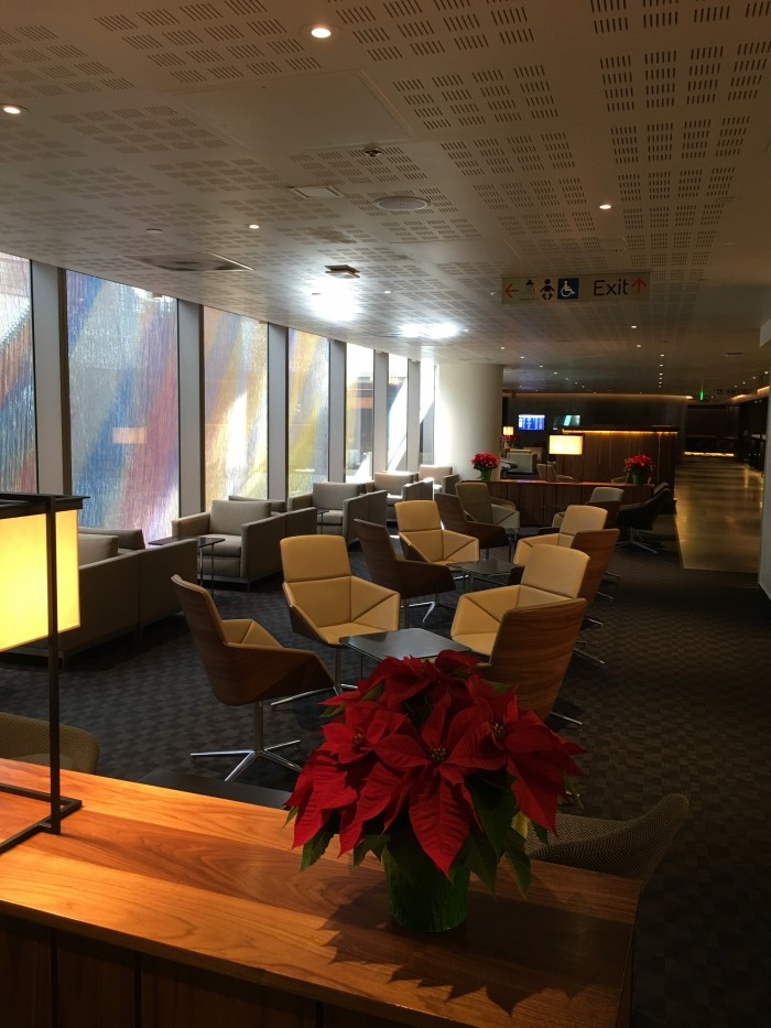 oneworld business lounge lax seats 700x933 - OneWorld Business Lounge Los Angeles LAX review