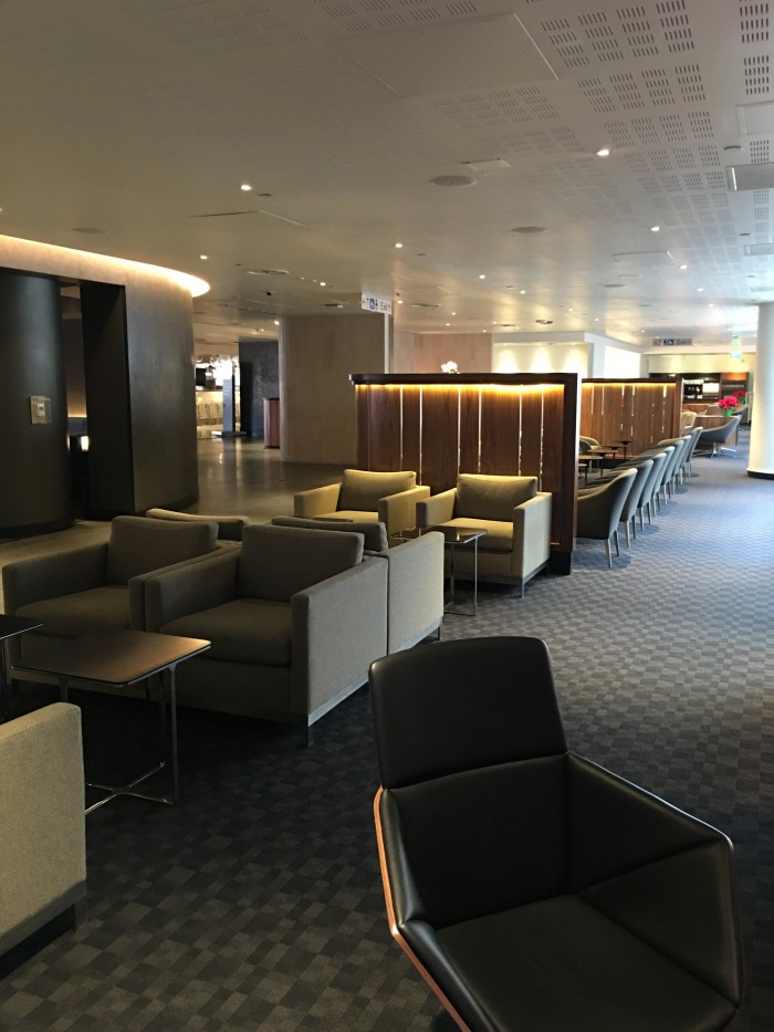 oneworld lounge lax 700x933 - OneWorld Business Lounge Los Angeles LAX review