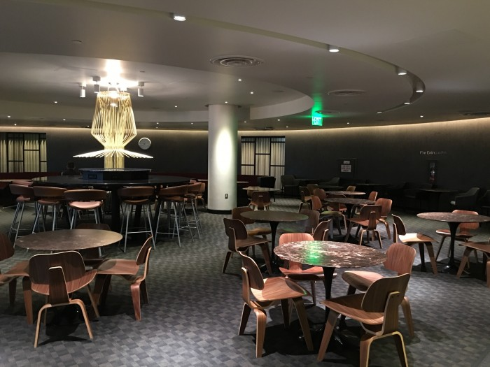 oneworld lounge lax dining room 700x525 - OneWorld Business Lounge Los Angeles LAX review