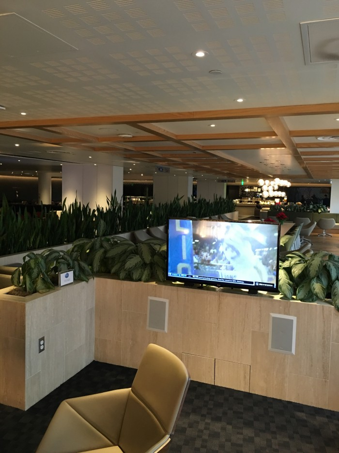 oneworld lounge los angeles airport 700x933 - OneWorld Business Lounge Los Angeles LAX review