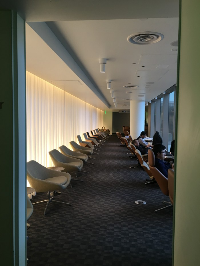 oneworld lounge los angeles seats 700x933 - OneWorld Business Lounge Los Angeles LAX review