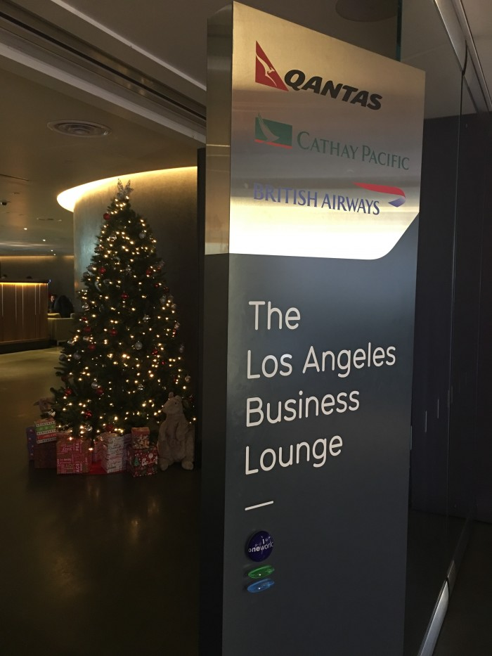 oneworld the los angeles business lounge 700x933 - OneWorld Business Lounge Los Angeles LAX review
