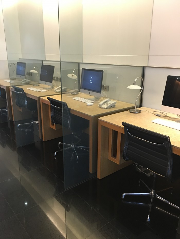 cathay-pacific-lounge-kuala-lumpur-business-center