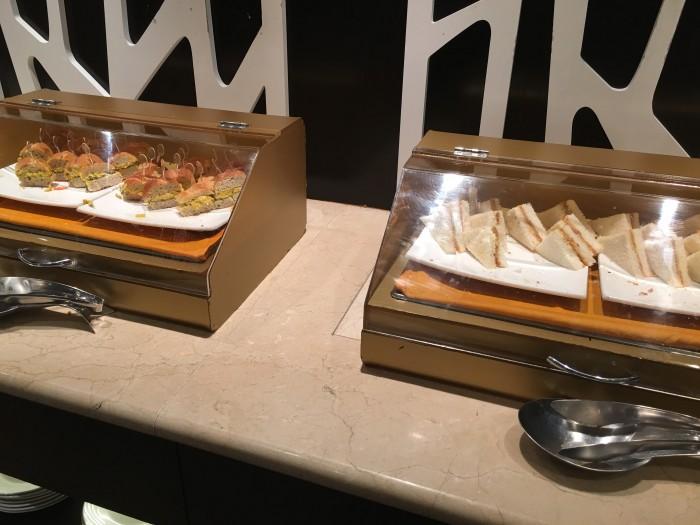 Malaysia-Airlines-Golden-Lounge-Kuala-Lumpur-satellite-sandwiches