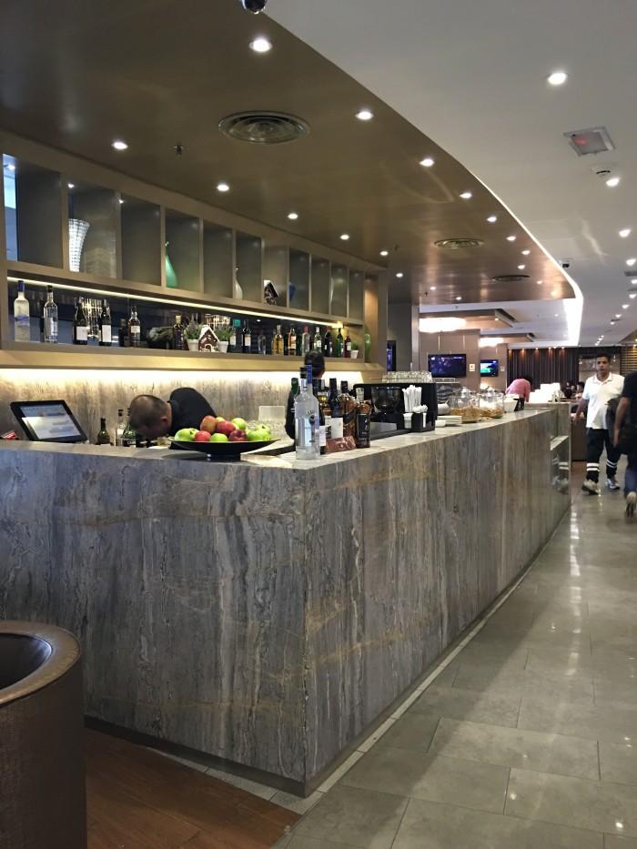 plaza premium lounge kuala lumpur satellite bar 700x933 - Plaza Premium Lounge Kuala Lumpur KUL review