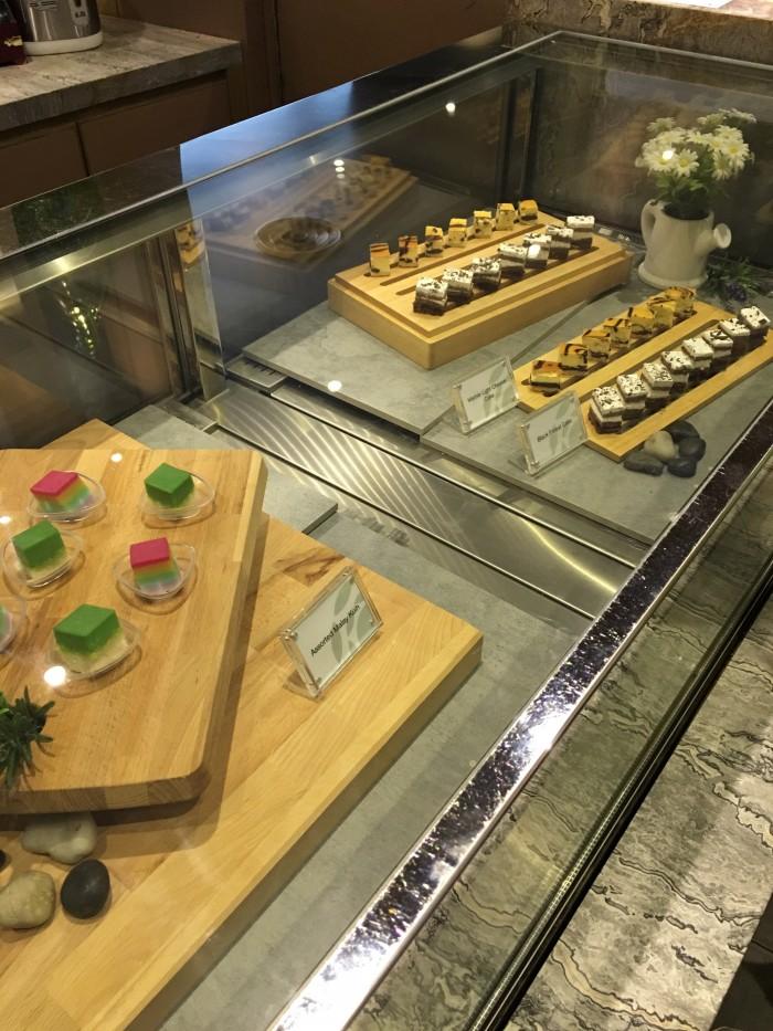 plaza premium lounge kuala lumpur satellite dessert 700x933 - Plaza Premium Lounge Kuala Lumpur KUL review