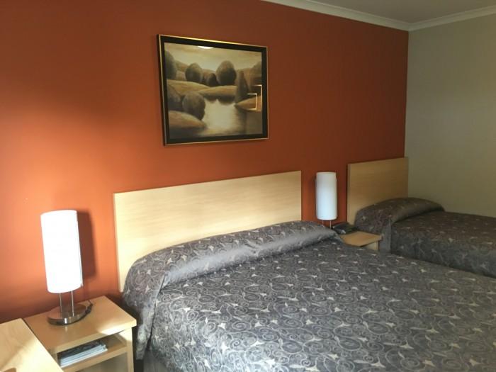 queenstown motel apartments beds 700x525 - Queenstown Motel Apartments - Queenstown, New Zealand review