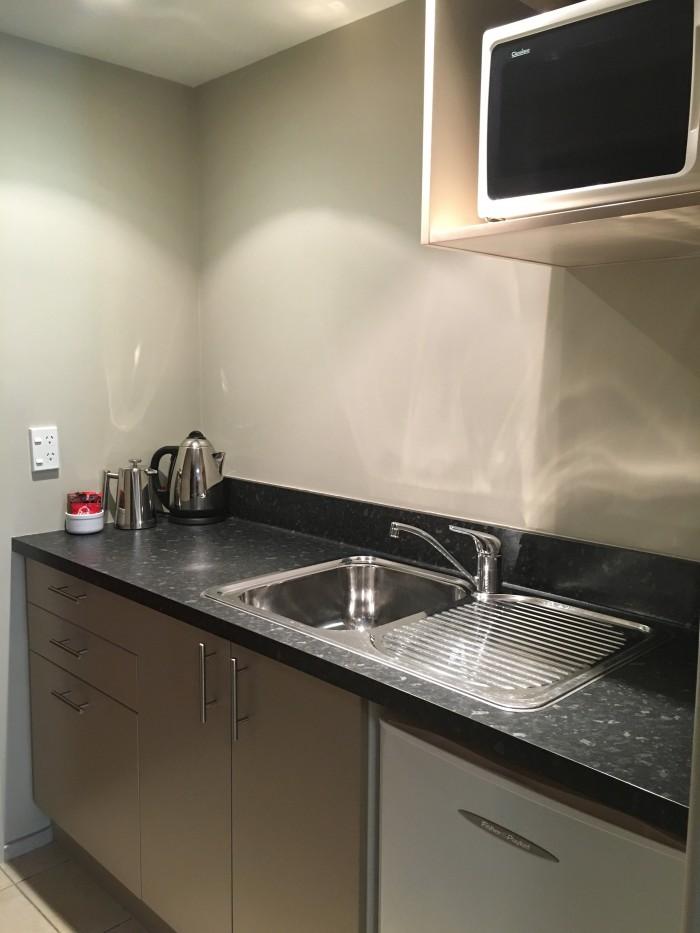 queenstown motel apartments kitchen 700x933 - Queenstown Motel Apartments - Queenstown, New Zealand review