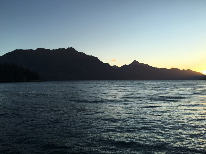 sunset lake wakatipu 700x525 - A Lord of the Rings tour in Queenstown, New Zealand