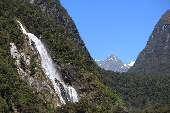 waterfalls mountains new zealand 700x467 - A day trip to Milford Sound from Queenstown, New Zealand