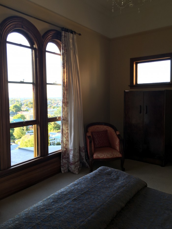 fellworth house king room 700x933 - Fellworth House - Nelson, New Zealand review