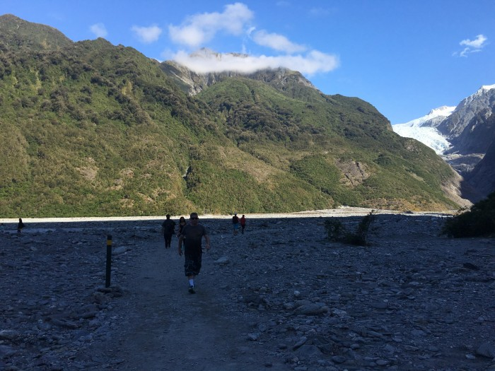 franz josef glacier hike 700x525 - Hiking to Franz Josef Glacier, New Zealand