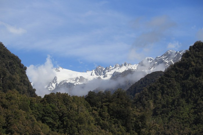 franz josef mountains 700x467 - Hiking to Franz Josef Glacier, New Zealand