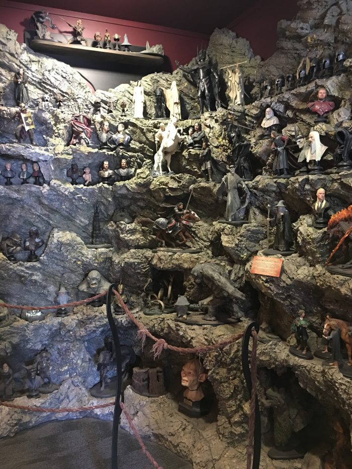 lord-of-the-rings-statues-weta-cave