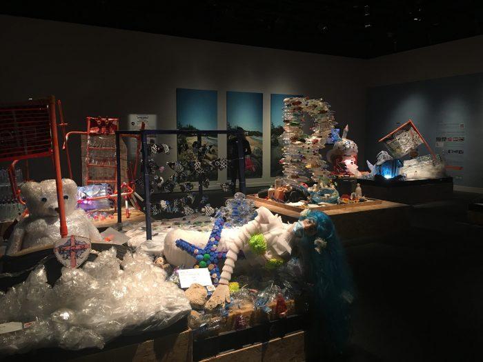 hong kong science museum plastic garbage art 700x525 - A rainy day in Hong Kong - Science Museum & Kau Kee noodles
