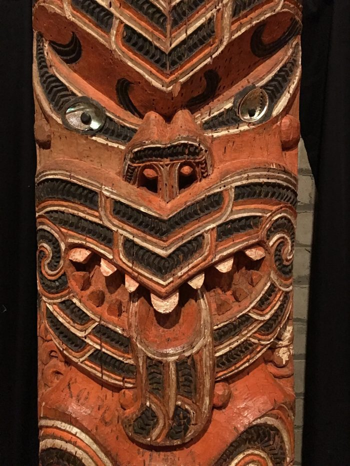 hotunui carving 700x933 - A rainy New Year's Day at the Auckland War Memorial Museum