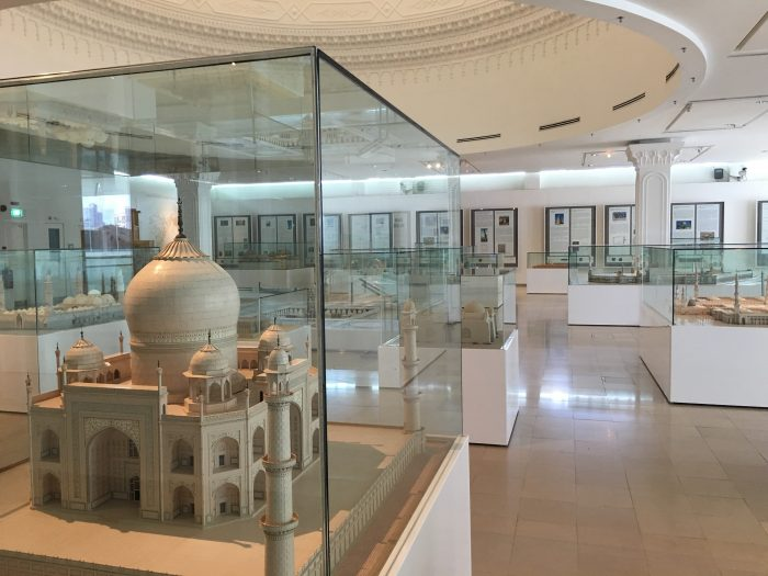 islamic arts museum malaysia architecture 700x525 - A layover in Kuala Lumpur - Islamic Arts Museum Malaysia & Jalan Alor