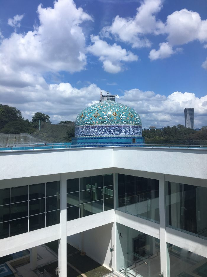 islamic arts museum malaysia dome 700x933 - A layover in Kuala Lumpur - Islamic Arts Museum Malaysia & Jalan Alor