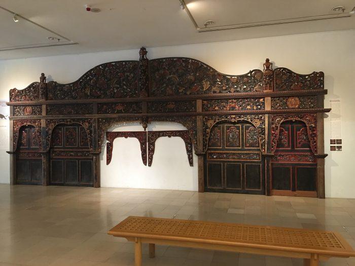 islamic arts museum malaysia wood carvings 700x525 - A layover in Kuala Lumpur - Islamic Arts Museum Malaysia & Jalan Alor