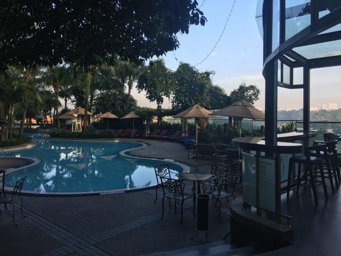 le meridien kuala lumpur pool bar 700x525 - Le Meridien Kuala Lumpur review