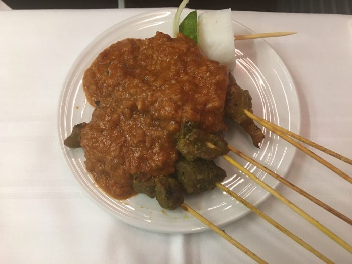 malaysia-airlines-business-class-boeing-737-satay