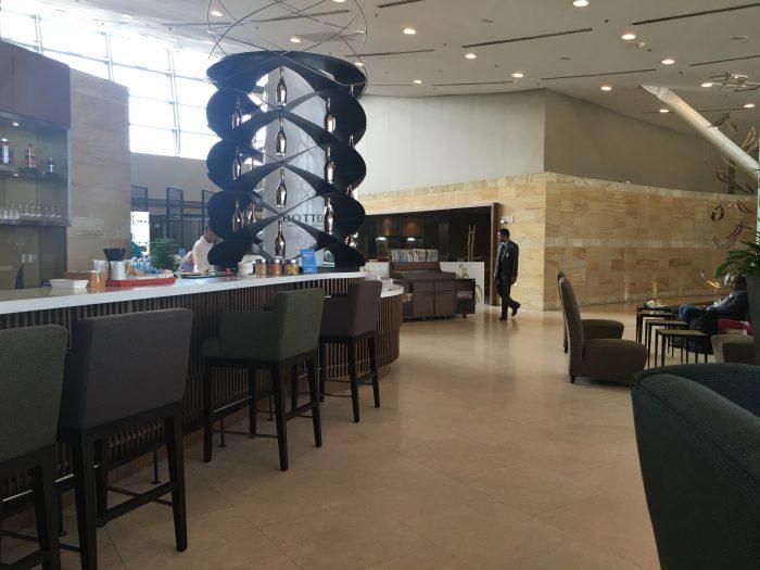 malaysia airlines golden regional lounge kuala lumpur bar 700x525 - Malaysia Airlines Golden Regional Lounge Kuala Lumpur KUL review