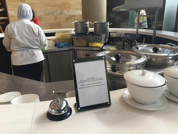 malaysia airlines golden regional lounge kuala lumpur noodle soup bar 700x525 - Malaysia Airlines Golden Regional Lounge Kuala Lumpur KUL review