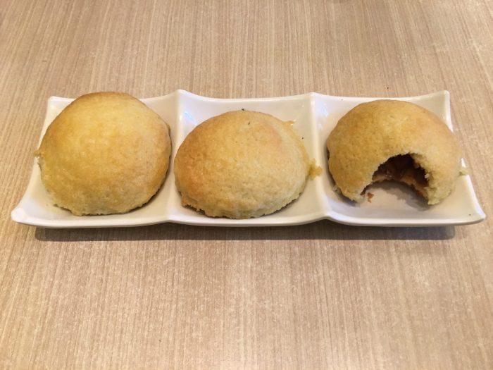 tim ho wan crispy baked bbq pork buns 700x525 - A dim sum visit to Tim Ho Wan in Hong Kong