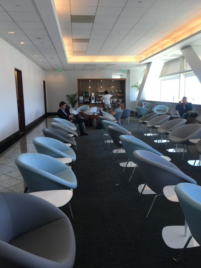 air france klm lounge sfo 700x933 - Air France-KLM Lounge San Francisco SFO review