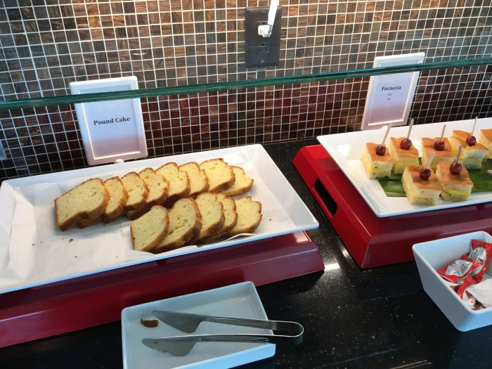air france klm lounge sfo breakfast food 700x525 - Air France-KLM Lounge San Francisco SFO review