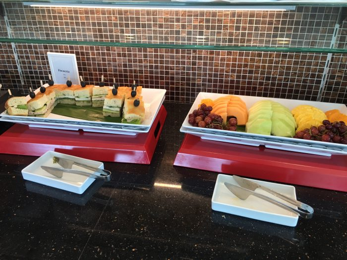 air france klm lounge sfo lunch 700x525 - Air France-KLM Lounge San Francisco SFO review