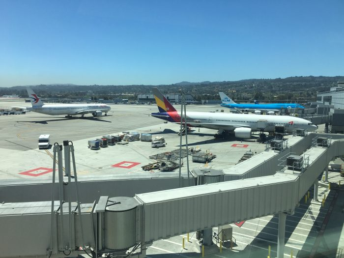 air-france-klm-lounge-sfo-view