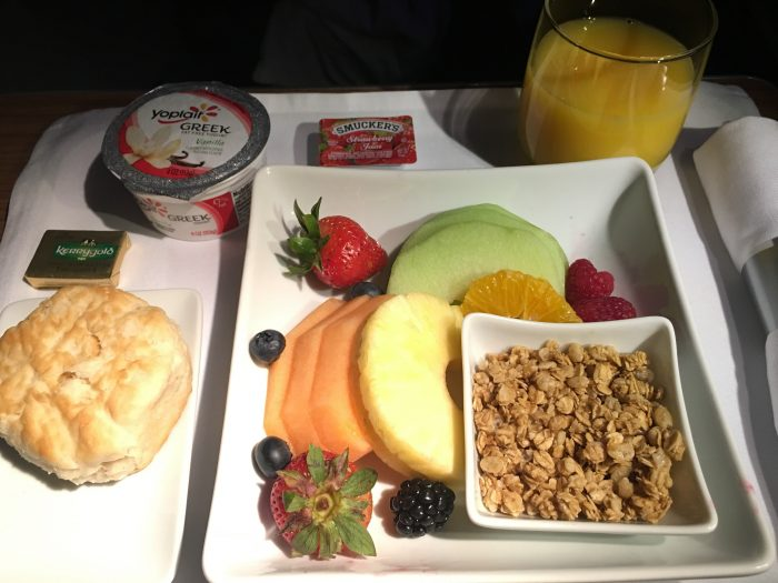 american airlines business class boeing 777 300er los angeles lax to london heathrow lhr breakfast 700x525 - American Airlines Business Class Boeing 777-300ER Los Angeles LAX to London Heathrow LHR review