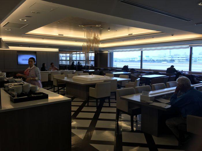jal sakura lounge osaka 700x525 - JAL Sakura Lounge Osaka KIX review